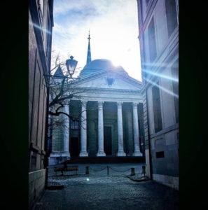 La cathédrale de Genève entre ombre et lumière - Instagram de l'EPG