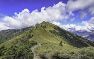 Un chemin en montagne -  Image: 'Ridge'  http://www.flickr.com/photos/44656275@N07/29669972418 Found on flickrcc.net