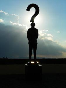 Montage photo d'un homme et d'un point d'interrogation - http://www.flickr.com/photos/50451886@N00/3534516458 Found on flickrcc.net