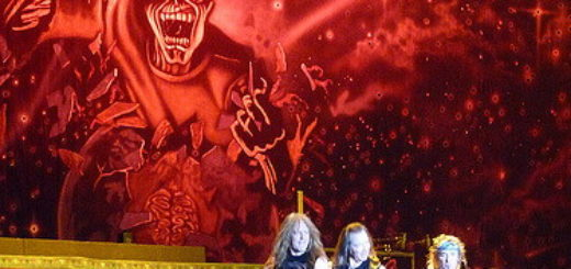 Photo prise pendant un spectacle du groupe Iron Maiden - http://www.flickr.com/photos/66397939@N00/3398055811 Found on flickrcc.net