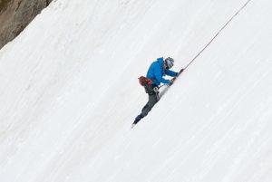 secours en montagne, un homme encordé - Image: 'Rescue in Progress' http://www.flickr.com/photos/73816797@N07/10334274314 Found on flickrcc.net