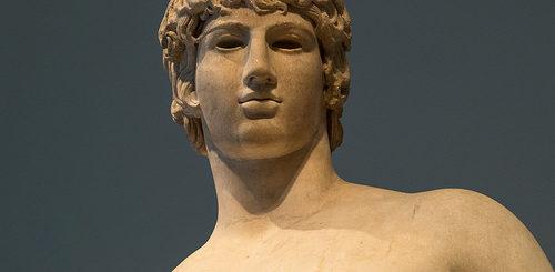 visage d'une statue grecque antique - Image: 'Greek Models - XXXVIII: Antinous as Agathodaimon' http://www.flickr.com/photos/69716881@N02/26124298231 Found on flickrcc.net