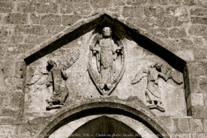 Image: 'Le Jour ni l'Heure : église Saint-André de Ruffec, XIIe s., Christ en gloire dans une mandorle' http://www.flickr.com/photos/7313591@N02/7995579386 Found on flickrcc.net
