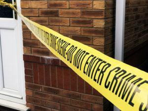illustration : une bande délimitant une scène de crime - Image: 'Crime scene / Police scene tape stock photo image' http://www.flickr.com/photos/145558967@N03/32443464207 Found on flickrcc.net