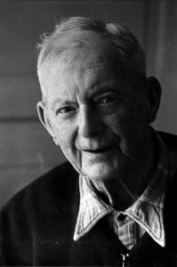 Illustration : visage d'un homme retraité - Image: 'vieux04'  http://www.flickr.com/photos/24998164@N06/2570806422 Found on flickrcc.net