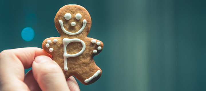 Une main tenant un biscuit - Photo by Pietro De Grandi on Unsplash