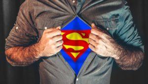 illustration : un homme a une combinaison de superman sous sa chemise - Image parElias Sch. de Pixabay