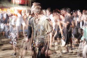 foule de personnes floues - Image parFree-Photos de Pixabay