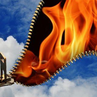 un beau ciel s'ouvrant sur d'horribles flammes - Image par Alexas_Fotos de Pixabay