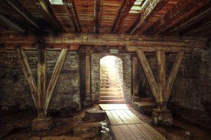 Sortie de la cave, vers la lumière - Image par Thomas Wolter de Pixabay